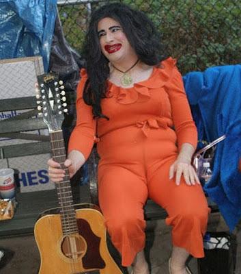 a1.bp.blogspot.com__h937HNtz6ek_S08CVr3NGQI_AAAAAAAARi4_p7WWzqT58Iw_s400_funny_guitarists_30.jpg