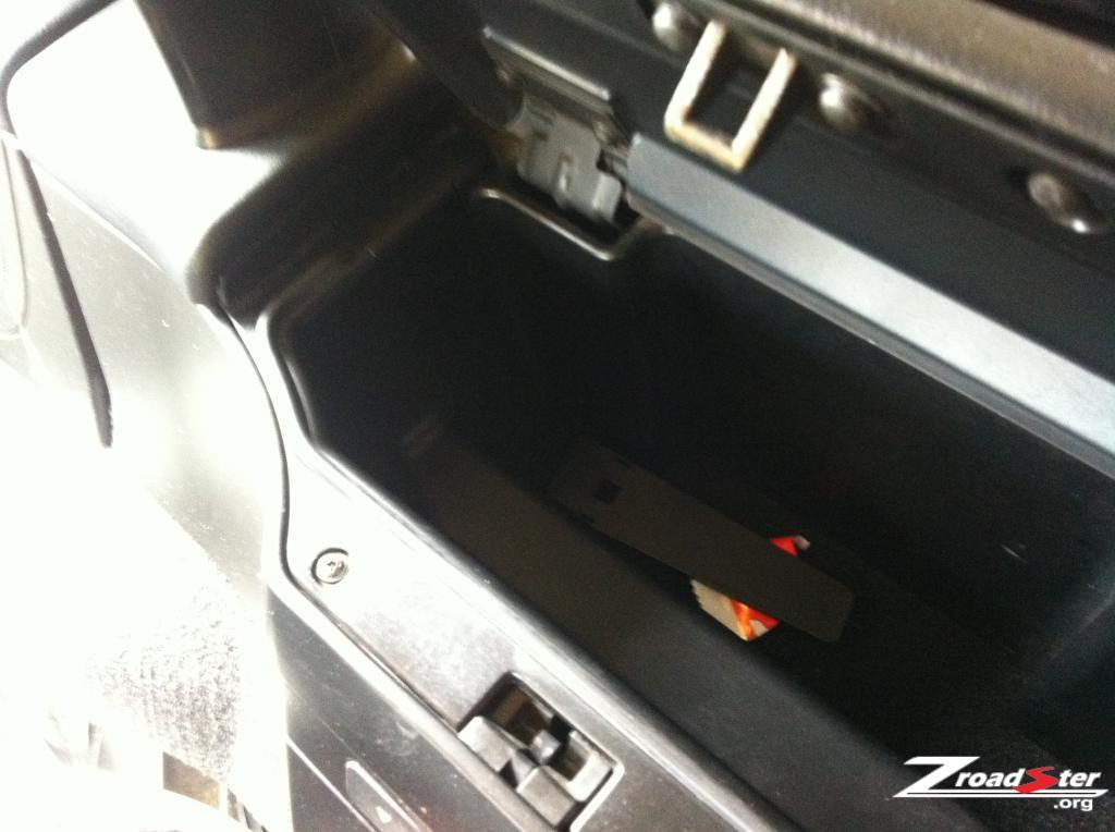bmw-z3-roll-hoop-removal-01.jpg