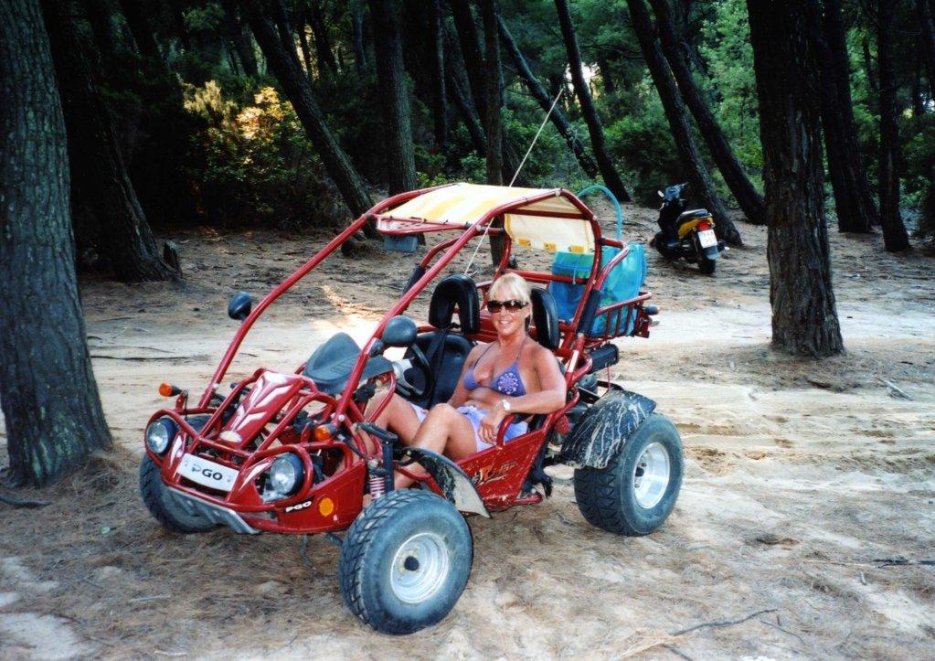 Eunice & Bug, Skiathos 2008.jpg
