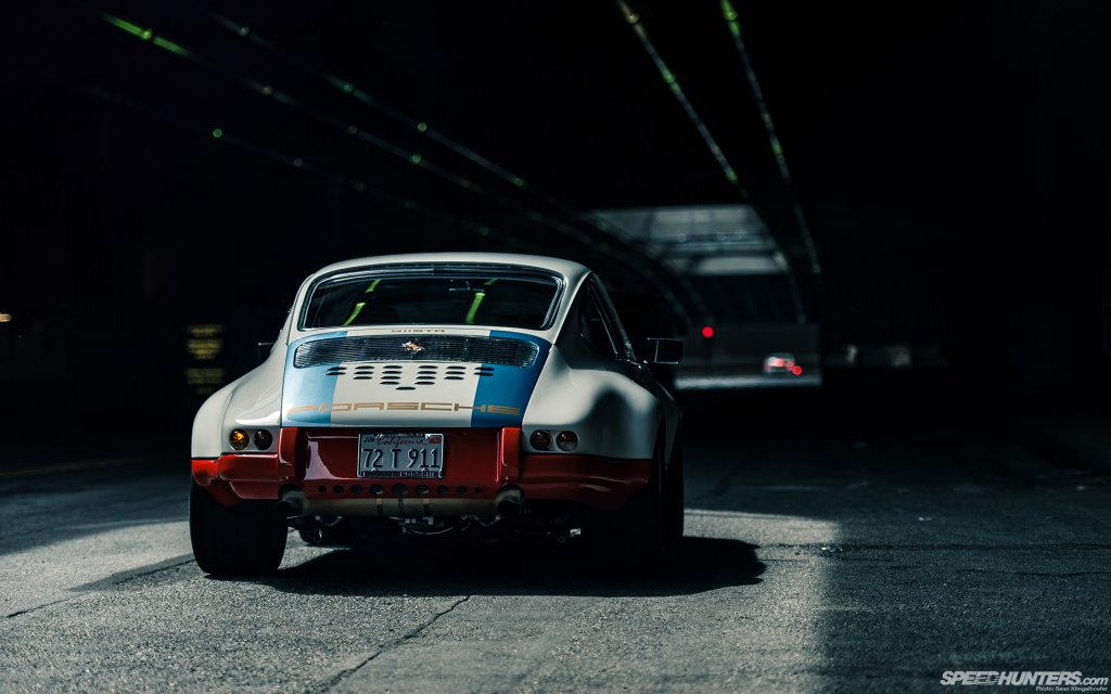 Magnus-Walker-911-STR-Desktop-10.jpg