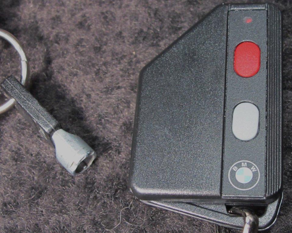 New Fob and alarm key.JPG