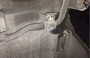 Anti roll bar and exhaust mount.jpg