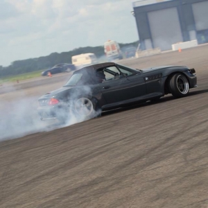 The drift Z3 doing what it does best