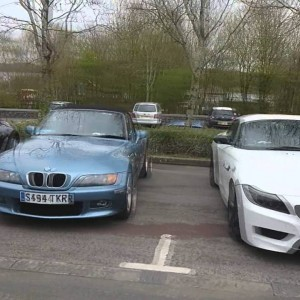Bmw Z3 run out - YouTube