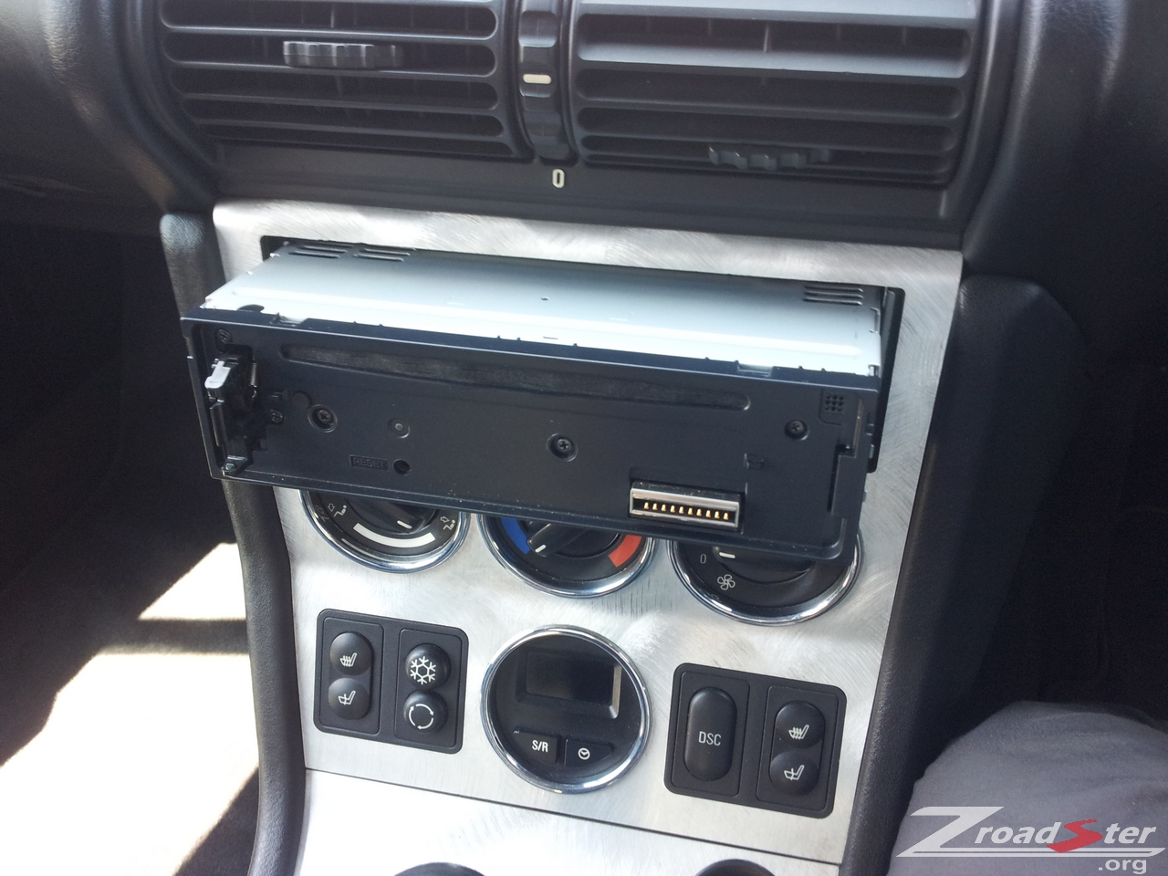 bmw z3 radio head unit removal and replacement bmw z1 z4. Black Bedroom Furniture Sets. Home Design Ideas
